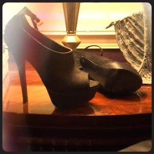 Steve Madden platform shoes